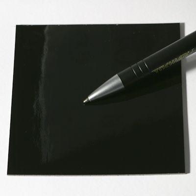 Linóleo brillante negro